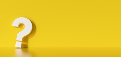 Fragezeichen vor gelebem Hintergrund. Frage, Zweifel, fragendes Konzept.- Stock Photo or Stock Video of rcfotostock | RC-Photo-Stock