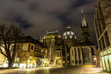 Aachen Dom bei Nacht : Stock Photo or Stock Video Download rcfotostock photos, images and assets rcfotostock | RC-Photo-Stock.: