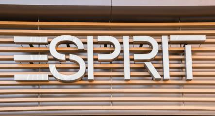 AACHEN, GERMANY JANUARY, 2017: Esprit logo. Esprit is a manufacturer of clothing, footwear, accessories, jewellery and housewares under the Esprit label.- Stock Photo or Stock Video of rcfotostock | RC-Photo-Stock