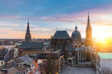 Aachener Dom – UNESCO-Welterbestätten Deutschland : Stock Photo or Stock Video Download rcfotostock photos, images and assets rcfotostock   RC-Photo-Stock.: