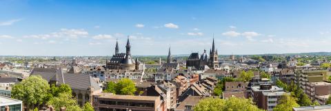 Aachener Dom und Rathaus  - Steingewordene Geschichte und jahrhundertealte Wallfahrt : Stock Photo or Stock Video Download rcfotostock photos, images and assets rcfotostock   RC-Photo-Stock.: