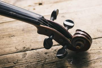 Antique Violin head on a wooden floor- Stock Photo or Stock Video of rcfotostock | RC-Photo-Stock