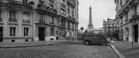 Avenue de Camoens with Eifel Tower in Paris SW panorama- Stock Photo or Stock Video of rcfotostock | RC-Photo-Stock