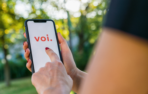 BERLIN, GERMANY AUGUST 2019: Woman hand holding iphone Xs with l- Stock Photo or Stock Video of rcfotostock | RC-Photo-Stock