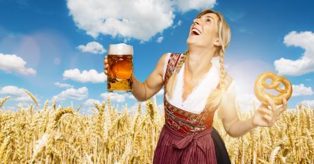 Bier und Brezen zum Oktoberfest. Das Oktoberfest 2021 fällt aus Wiesn erst 2022 wieder! : Stock Photo or Stock Video Download rcfotostock photos, images and assets rcfotostock | RC-Photo-Stock.: