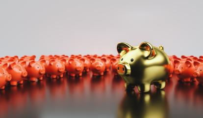 Big golden piggy bank in front of small red piggy banks, investment and development concept - Stock Photo or Stock Video of rcfotostock | RC-Photo-Stock