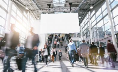 blurred business people at rush hour at a trade fair- Stock Photo or Stock Video of rcfotostock | RC-Photo-Stock