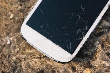 Broken Screen Smartphone - Stock Photo or Stock Video of rcfotostock | RC-Photo-Stock