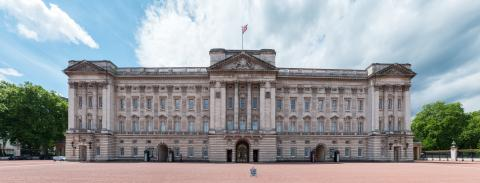 Buckingham Palace Panorama in London, United Kingdom- Stock Photo or Stock Video of rcfotostock | RC-Photo-Stock