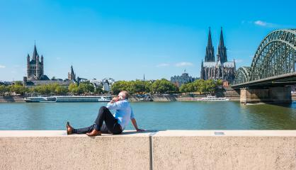 bussinesman spending his time at summer in Cologne- Stock Photo or Stock Video of rcfotostock | RC-Photo-Stock