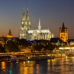 Cologne Cathedral (Dom) at sunset- Stock Photo or Stock Video of rcfotostock   RC-Photo-Stock