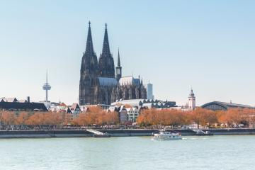 cologne Cathedral in autumn at the rhine river- Stock Photo or Stock Video of rcfotostock | RC-Photo-Stock