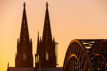 Cologne Cathedral silhouette- Stock Photo or Stock Video of rcfotostock | RC-Photo-Stock