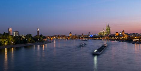 Cologne city skyline and Cologne Dom at night- Stock Photo or Stock Video of rcfotostock | RC-Photo-Stock