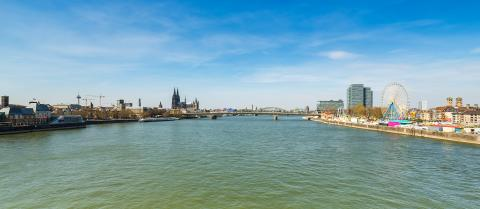 Cologne City with rhine funfair	- Stock Photo or Stock Video of rcfotostock | RC-Photo-Stock