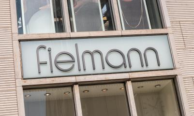 COLOGNE, GERMANY OCTOBER, 2017:  Fielmann shop signage. Fielmann AG is a German optics company focusing on retail eyewear- Stock Photo or Stock Video of rcfotostock | RC-Photo-Stock