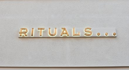 COLOGNE, GERMANY OCTOBER, 2017: Rituals logo on a shop wall. Rituals is a company for Cosmetics.- Stock Photo or Stock Video of rcfotostock | RC-Photo-Stock
