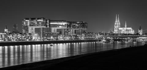 cologne night skyline in black and white- Stock Photo or Stock Video of rcfotostock | RC-Photo-Stock
