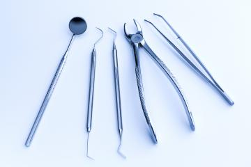 Dentist equipment for wisdom tooth removal- Stock Photo or Stock Video of rcfotostock | RC-Photo-Stock