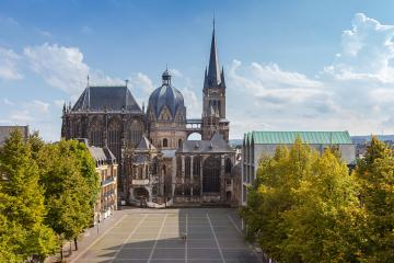 Dom zu Aachen im Sommer- Stock Photo or Stock Video of rcfotostock | RC-Photo-Stock