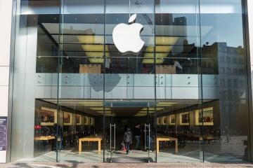 FRANKFURT, GERMANY MARCH, 2017: Apple store entrance. Apple is the multinational technology company headquartered in Cupertino, California and sells consumer electronics products.- Stock Photo or Stock Video of rcfotostock | RC-Photo-Stock