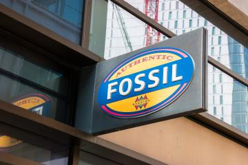 FRANKFURT, GERMANY MARCH, 2017:Boutique Fossi Logo. Fossil, Inc. is an American designer and manufacturer of clothing and accessories with annual revenues of $ 2 billion.- Stock Photo or Stock Video of rcfotostock | RC-Photo-Stock