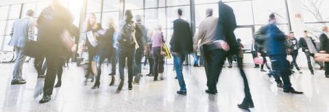 Geschäftsleute auf Geschäftsreise am Flughafen - Stock Photo or Stock Video of rcfotostock | RC-Photo-Stock