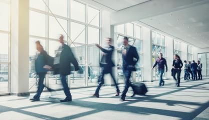 Geschäftsleute auf Geschäftsreise am Flughafen- Stock Photo or Stock Video of rcfotostock | RC-Photo-Stock