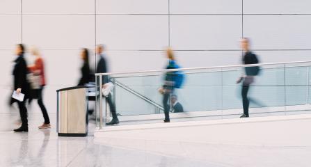 Geschäftsleute bewegen sich aus Business Büro zum Feierabend- Stock Photo or Stock Video of rcfotostock | RC-Photo-Stock