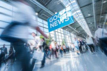 Good news, Blurred business people at a trade fair- Stock Photo or Stock Video of rcfotostock | RC-Photo-Stock