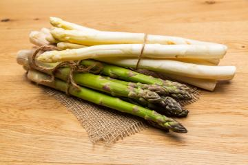 Green and white asparagus- Stock Photo or Stock Video of rcfotostock | RC-Photo-Stock