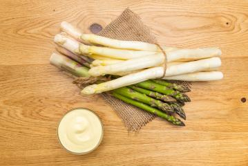 green and white Asparagus with sauce hollandaise- Stock Photo or Stock Video of rcfotostock | RC-Photo-Stock