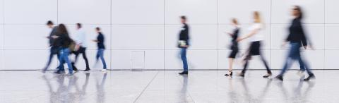 Gruppe Geschäftsleute gehen im Büro banner- Stock Photo or Stock Video of rcfotostock | RC-Photo-Stock