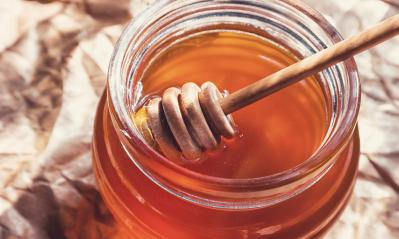 Honey in jar with honey dipper - Stock Photo or Stock Video of rcfotostock | RC-Photo-Stock