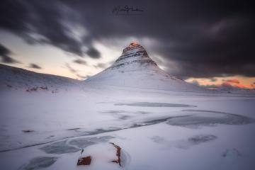 Kirkjufell mountain zum Sonnenaufgang, Winter, Wolken, Island : Stock Photo or Stock Video Download rcfotostock photos, images and assets rcfotostock | RC-Photo-Stock.: