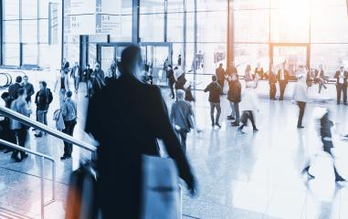 Menge Business Leute auf Treppe am Flughafen - Stock Photo or Stock Video of rcfotostock | RC-Photo-Stock