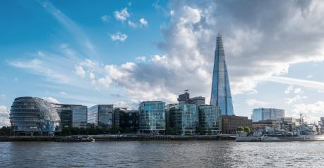 New London city hall with cloudy sky, panoramic view from river- Stock Photo or Stock Video of rcfotostock | RC-Photo-Stock