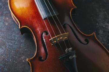 old Violin on dark background- Stock Photo or Stock Video of rcfotostock | RC-Photo-Stock