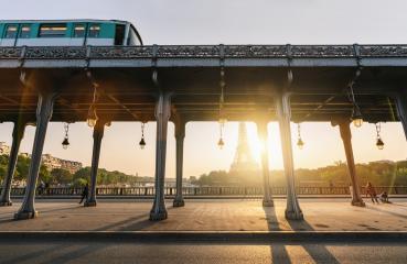 Pont de Bir-Hakeim with metro an eiffel tower at sunrise- Stock Photo or Stock Video of rcfotostock | RC-Photo-Stock