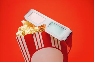 popcorn in a box with 3D glasses, cinema, movies and entertainment concept image- Stock Photo or Stock Video of rcfotostock | RC-Photo-Stock