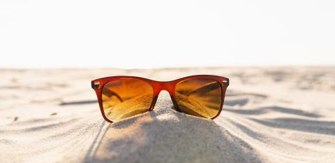 Sunglasses on the beach. copyspace for your individual text. - Stock Photo or Stock Video of rcfotostock | RC-Photo-Stock