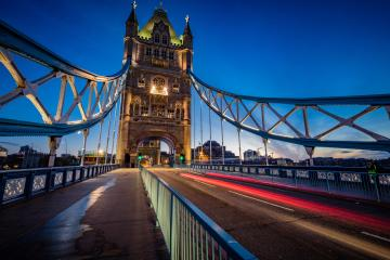Tower Bridge zur blauen Stunde, London, Vereinigtes Königreich : Stock Photo or Stock Video Download rcfotostock photos, images and assets rcfotostock | RC-Photo-Stock.:
