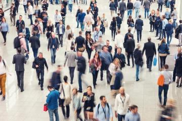 Viele anonyme Menschen gehen in Einkaufszentrum- Stock Photo or Stock Video of rcfotostock | RC-Photo-Stock