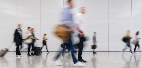Viele anonyme Menschen in Bewegung am Flughafen terminal- Stock Photo or Stock Video of rcfotostock | RC-Photo-Stock