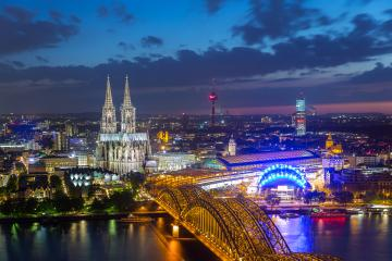 view of Cologne Cathedral in Cologne at night- Stock Photo or Stock Video of rcfotostock | RC-Photo-Stock