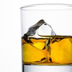 Whisky glas mit eis würfeln- Stock Photo or Stock Video of rcfotostock | RC-Photo-Stock