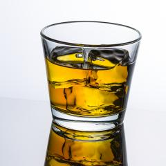 Whisky Glas mit eiswürfeln- Stock Photo or Stock Video of rcfotostock | RC-Photo-Stock