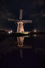 Windmühle beleuchtet, Kinderdijk, Niederlande, Spiegelung : Stock Photo or Stock Video Download rcfotostock photos, images and assets rcfotostock | RC-Photo-Stock.: