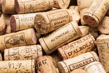 wine corks heap- Stock Photo or Stock Video of rcfotostock | RC-Photo-Stock