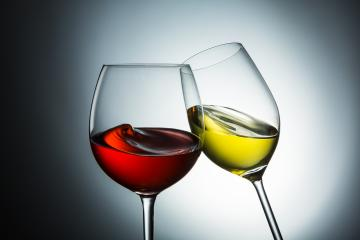 Wine varieties, red wine - white wine swing : Stock Photo or Stock Video Download rcfotostock photos, images and assets rcfotostock | RC-Photo-Stock.: